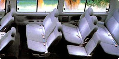 中型車 車内2