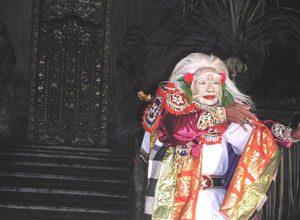バリ島舞踊 チャンドラ・ウィラブアナ