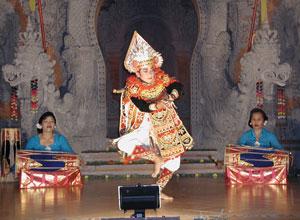 バリ島舞踊 キドゥリン・スワリ1