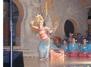 バリ島舞踊 キドゥリン・スワリ5