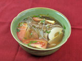 ソトアヤム (チキン・春雨・トマト・ゆで卵入りスープ)