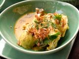 アヤムまたはベベック・ベトゥトゥ(バリ風鶏肉またはアヒル肉煮込み)