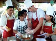 シェフからバリ料理を教わることができます