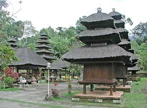 バトゥカル寺院2
