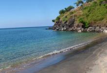 バリ島北東部をいく 海 de タッチ